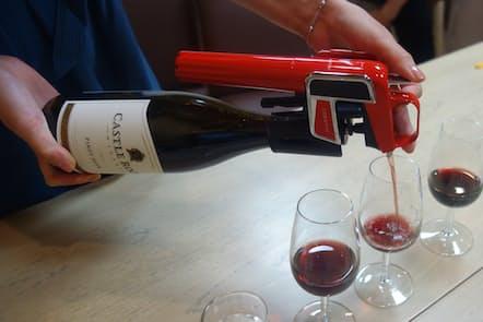 ワインセーバー「コラヴァン」を使えば、開けたワインを長期間保存できる