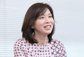 1989年、「サンデーモーニング」(TBS)でデビュー。その後、様々な番組でキャスターを務めた。お昼の情報番組「ひるおび!」(同)出演中。新潟県出身、50歳。