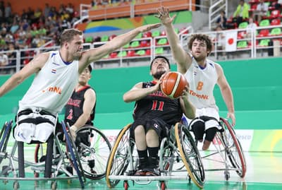 これまで障害者スポーツは無料が通例だった(2016年に行われた車いすバスケのリオパラリンピック予選大会)