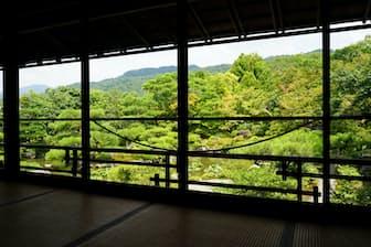 書院「對龍台」から臨む景観。遠、中、近景が見事に溶け合う=山下柚実撮影