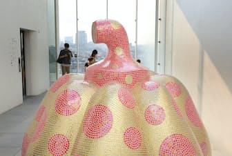 カボチャの立体作品は草間芸術のシンボルの一つ(東京都新宿区の草間彌生美術館)