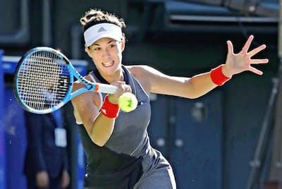 生まれ変わっても、プロテニス選手になりたいという(東京都江東区の有明テニスの森公園=共同)