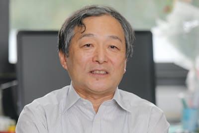 1957年東京生まれ。86年東京大大学院社会学研究科博士課程単位取得退学。東京学芸大教授を経て08年中央大文学部教授。「パラサイト・シングル」「婚活」などの言葉の生みの親。