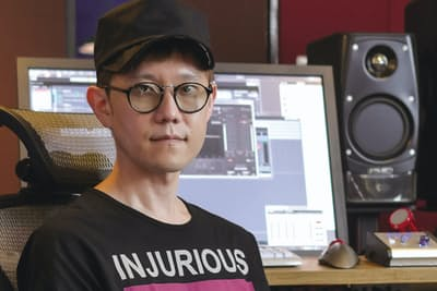 YUKI、木村カエラ、JUJU、絢香、back number、米津玄師など多くのアーティストに楽曲提供やプロデュースを行う。今春のアニメ映画『SING/シング』吹替版では歌唱部分の監修も務めた。(写真:加藤康)