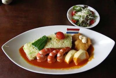 出島内外倶楽部レストランの長崎そっぷのバターライスは出島の形