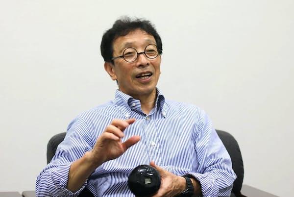 カシオ計算機アドバイザリー・エンジニアの伊部菊雄氏