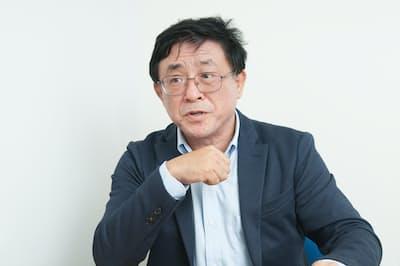 『母さん、ごめん。』で認知症の母の介護体験をつづった50代独身男性の松浦晋也さん