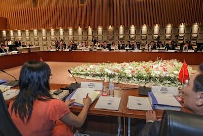 民間主導で国際会議を北海道に誘致する(16年に札幌市で開かれた「世界冬の都市市長会議」)
