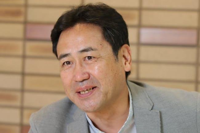 1956年千葉県生まれ。77年にデビューし、「サード」(78年)などで新人賞。映画、テレビドラマに多数出演する一方、2005年にマルシェなどを開く会社、青空市場を設立。