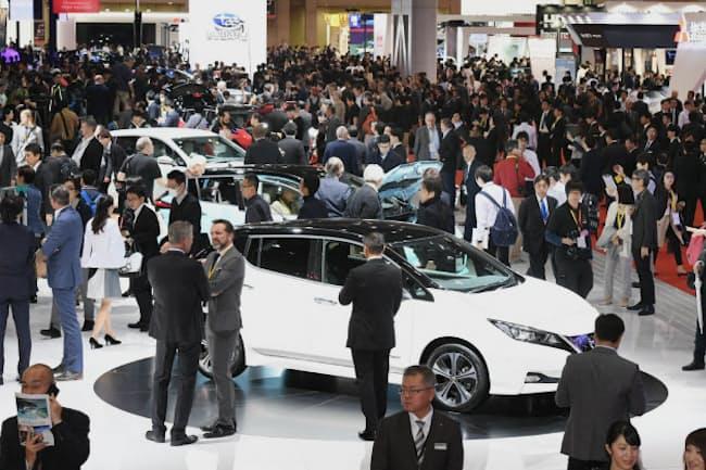 東京ビッグサイトで開催中の東京モーターショー。自動車ジャーナリストの渡辺敏史氏は「インフルエンサーとしての存在感は大きなものがある」という
