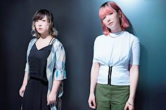 2013年5月に結成。ギター&ボーカルの牛丸ありさ(右)と、ベースのごっきん(左)からなる、大阪府寝屋川市出身の2人組。18年1月まで全国33カ所をまわるツアー「girls like girls tour」を開催中。
