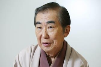 1943年大阪府生まれ。創作落語を作り続け、2003年から上方落語協会会長。12月1日に「芸能生活50周年 ファイナルステージ~またここから始まる~」を大阪市内で開催する
