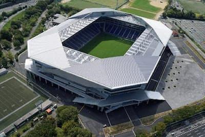 ガンバ大阪の本拠地である「吹田サッカースタジアム」。250枚のサイネージが設置されている(大阪府吹田市)