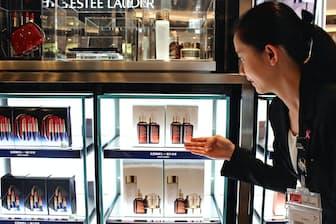化粧品はじっくり試して選べる(高島屋免税店SHILLA&ANA)