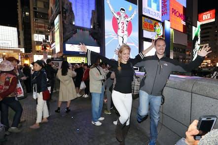 外国人旅行者の夜間の消費を喚起することが課題となっている(大阪市の道頓堀)