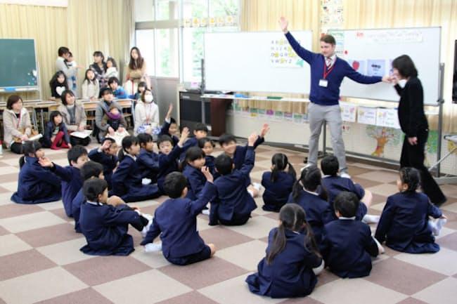 岡山県総社市にある小学校での英語学習の様子
