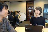 屋外広告会社から家事代行会社へ転職した里田恵梨子さん(右)