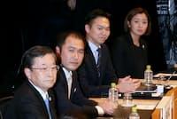 日経2020フォーラムのパネル討論に登壇したパネリストら(11月9日、東京・大手町)