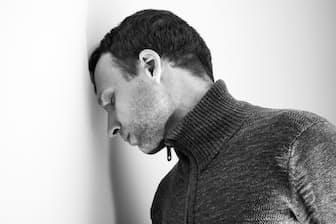 過労死のうち、うつなどの精神障害により自殺するケースはどのくらいあるのだろうか(c)Eugene Sergeev-123rf