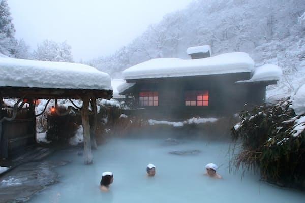 雪見温泉 1位 乳頭温泉郷「鶴の湯温泉」(秋田県)
