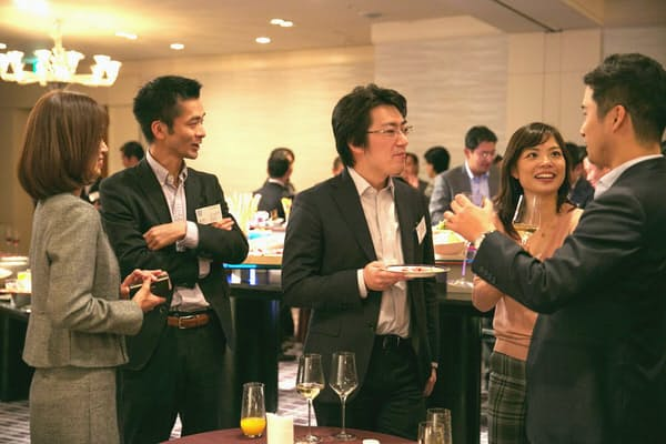 ベイン・アンド・カンパニー・ジャパンが11月に開いた「同窓会」=同社提供、松井みさき氏撮影