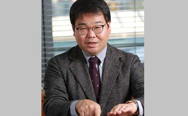 白坂一(しらさか・はじめ)氏。1977年大阪府生まれ。高校時代の1995年1月に発生した阪神大震災での自衛隊の救助活動に感動し、97年に防衛大学校入学。防衛大時代に図書館で出会ったヘンリー幸田著「ビジネスモデル特許」に強い関心を抱き、2001年に防衛大卒業後に横浜国立大学大学院でITを使った画像処理研究に取り組む。富士フイルムでの知的財産・特許関連業務を経て、11年に弁理士事務所を設立。15年にリーガルテックIT企業のゴールドアイピーを創業、代表取締役社長に就任。