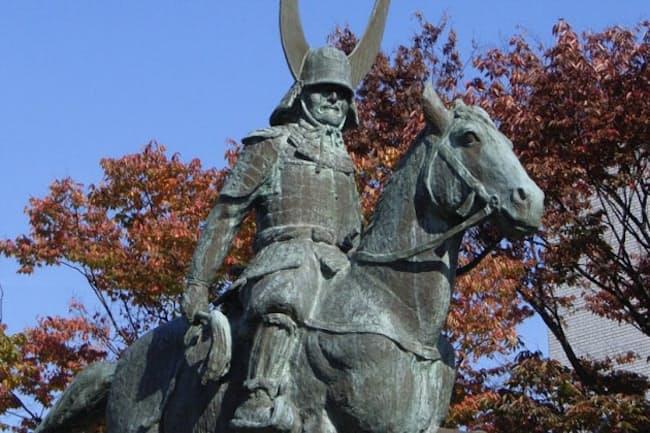 井伊直政の像