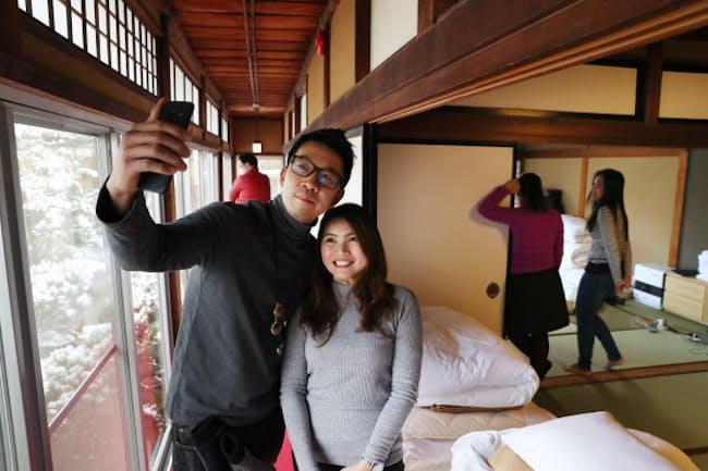 寺の大広間に宿泊したタイ人旅行客は日本文化を存分に満喫した(岐阜県高山市)