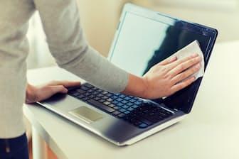 1年間使い続けたパソコンをきれいにして、今年の仕事を終わりたい。そんな人のために、簡単にできるクリーニング法を専門家に聞いた=PIXTA