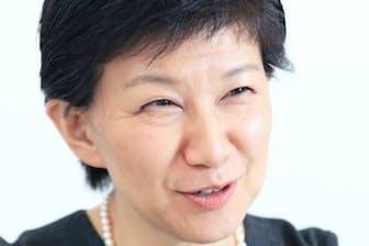 早稲田大法学部卒。米大学院修了後、国連難民高等弁務官事務所へ。2017年5月から現職。2児の母。