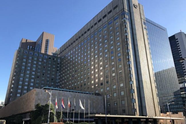 帝国ホテル東京。隣接するガラス張りのビルは三井不動産が取得した「NBF日比谷ビル」