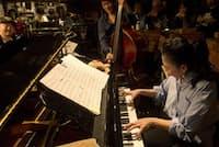 ライブハウスで演奏する大西順子(昨年12月22日、東京・吉祥寺サムタイム)=市川幸雄撮影
