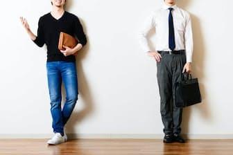 独立起業を目指す人にとって、仕事とプライベートは切り離すべきものなのか=PIXTA
