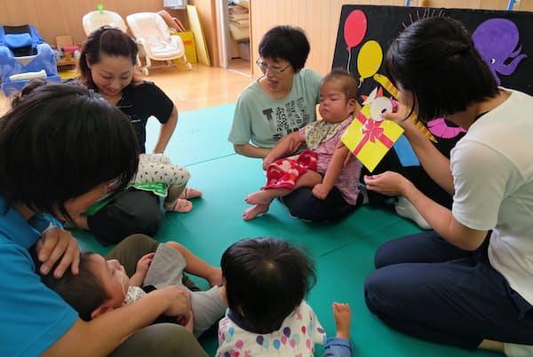 障害や病気を持つ子供を受け入れる保育園は足りない(東京・荻窪の「ヘレン」)