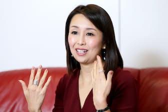 1969年東京都出身。戸板女子短大卒。90年代に商社のマーケティングマネジャーとして香港に滞在。この原体験を基に99年夫と家事代行サービス、ベアーズを設立。2016年より取締役副社長