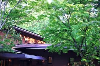 長野県軽井沢町は静穏な環境確保を理由に、全域で民泊を通年禁止する方針だ(PIXTA)