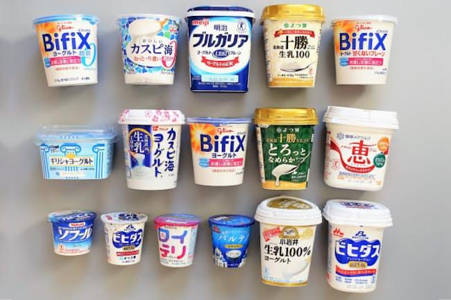 プレーンタイプのヨーグルト16商品を、食の専門家4人が食べ比べました