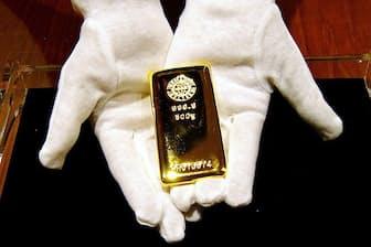 安全資産とされる金の需要は根強い (500グラムの金地金)