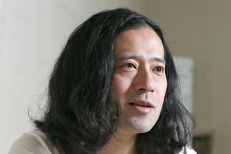 お笑いの世界で活動を続け、「芥川賞作家」にもなった又吉直樹さん