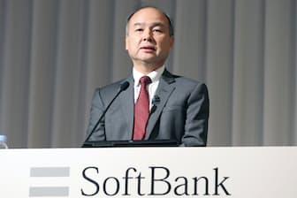 ソフトバンクグループは携帯事業子会社の株式上場を目指している。写真は決算について説明する孫正義会長兼社長(2月7日午後、東京都港区)