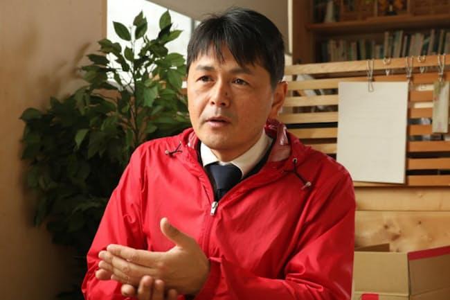 1971年に創業したソースメーカー、鳥居食品(静岡県浜松市)を継いだ、3代目の鳥居大資社長