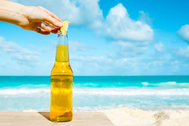 メキシコビールは瓶にライムを入れて飲む?