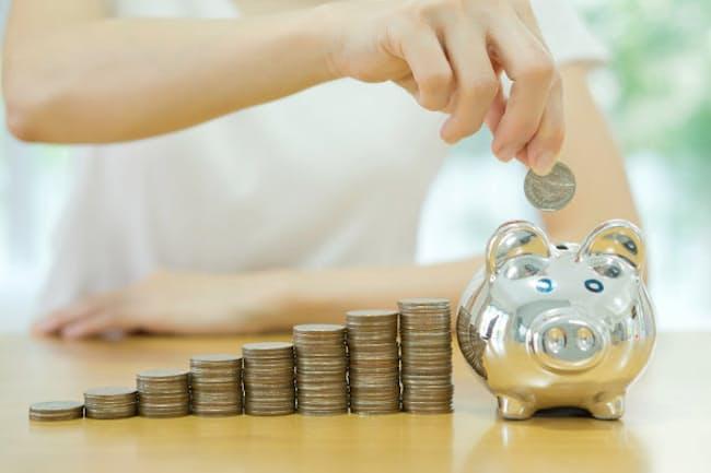 定年までにはいくら貯金すればよい……? 写真はイメージ=PIXTA