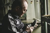 三村仁司氏は厚労省から「現代の名工」として表彰を受けたこともある(ニューバランス提供)