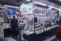 ヨドバシカメラ新宿西口本店 マルチメディア館1階にあるコンパクトデジカメコーナー