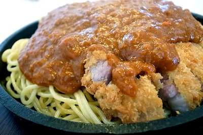 昭和の味、カツのせスパゲティ