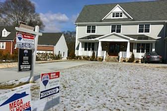 週末に公開される売り出し中の住宅(メリーランド州)。販売会社の担当者は、「税制改革の影響は今後出るかもしれないが、足元では販売は好調」と話す