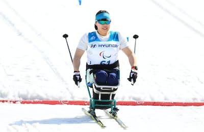 スキー距離スプリント女子座位でゴールした新田のんの選手(3月14日、平昌パラリンピック)