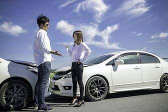 事故の一部始終をドライブレコーダーに録画できれば事故処理が楽になる可能性がある(写真はイメージ=PIXTA)