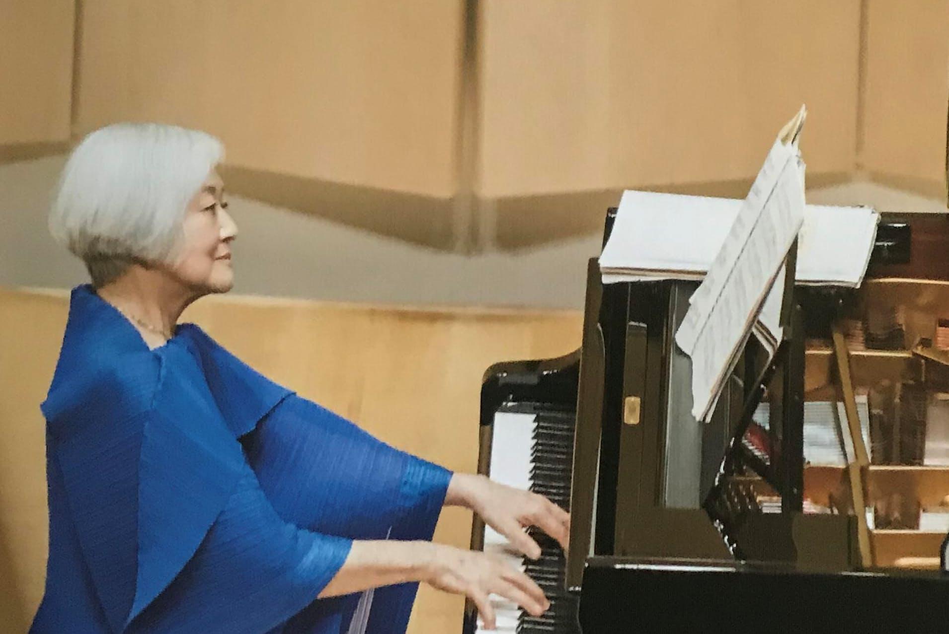 高野耀子という生き方 輝き続ける87歳のピアニスト WOMAN SMART ...